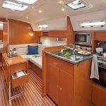 Cruising sailing yacht: Cabin
