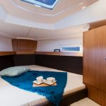 Cruising sailing yacht: front cabin